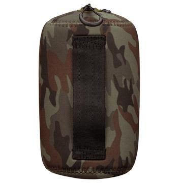 背面:開口時に手を入れて保持できる背面ハンドル付き