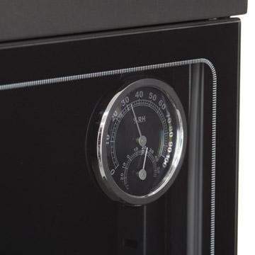 温湿度計:庫内の温度と湿度が計れます。