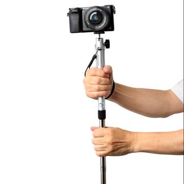 使用例:スローシャッターや動画撮影時に役に立つ一脚機能