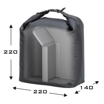 ポーチ内部には位置調整可能な仕切りが付属。効率的な収納が可能。