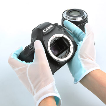 クリーニングクロス製グローブなのでカメラ、レンズの清掃取扱いに最適