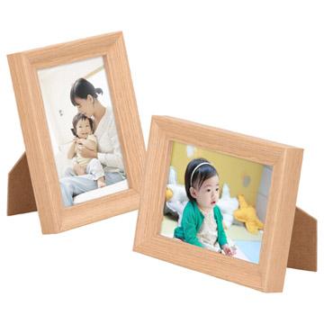 使用例:タテヨコどちらにも使えるスタンドなのでお写真の向きを選ばず飾れます