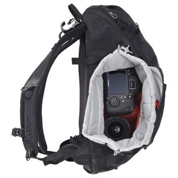 取り外し可能なインナーボックス式のカメラ収納部