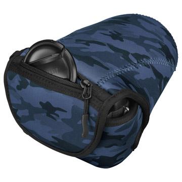 小物収納用の背面ファスナーポケット