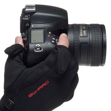 手の動きを妨げずカメラを操作可能な、ストレッチ素材