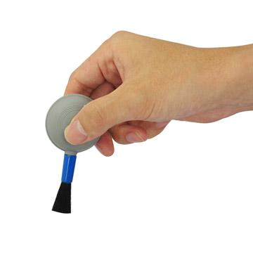 携帯性に優れたコンパクトブロアーブラシ