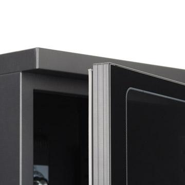 スチールキャビネットと強化ガラス扉