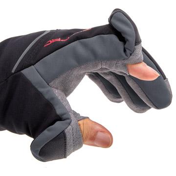 指先の開閉部分は衣服や肌を傷つけないマグネット式
