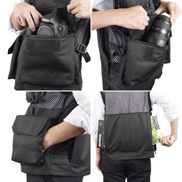 交換レンズやA4サイズの書類が収納できる大型のポケット