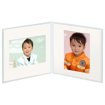 タテ・ヨコどちらの写真にも対応するスクウェア台紙