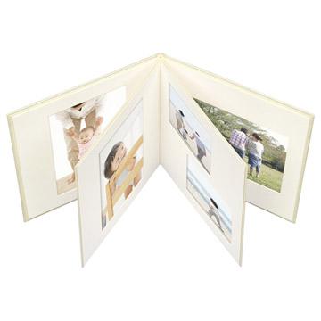 思い出の写真を一冊にまとめられるブックタイプ
