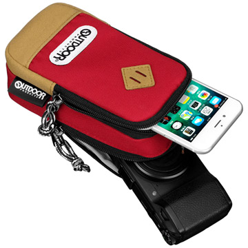 コンパクトカメラとスマートフォンの収納に最適