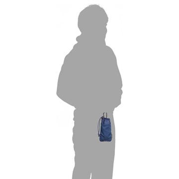 カラビナを使用して装着可能(モデル身長:170cm)