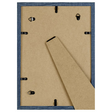 背板の金具と吊りヒモで壁掛けも可能