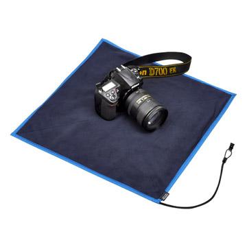 チョイ置きスペースとして。レンズ交換やメンテナンスも安心。