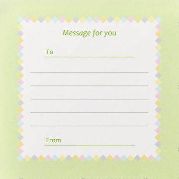 付属品:パッケージの裏面を切り取ると、片面にぴったり収まるメッセージカードに。