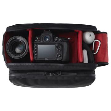 IND2(インダツー) P100カメラショルダーバッグ